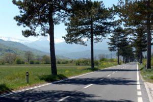 Landstraße in den Abruzzen