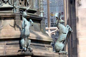 Edinburgh - Denkmal vor der St. Giles Cathedral