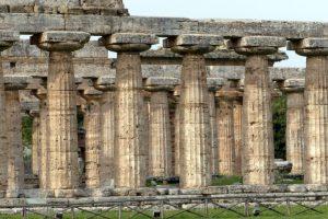 Hera-Tempel in der Ausgrabungsstätte in Paestum