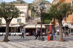 Taormina - Piazza 9. April
